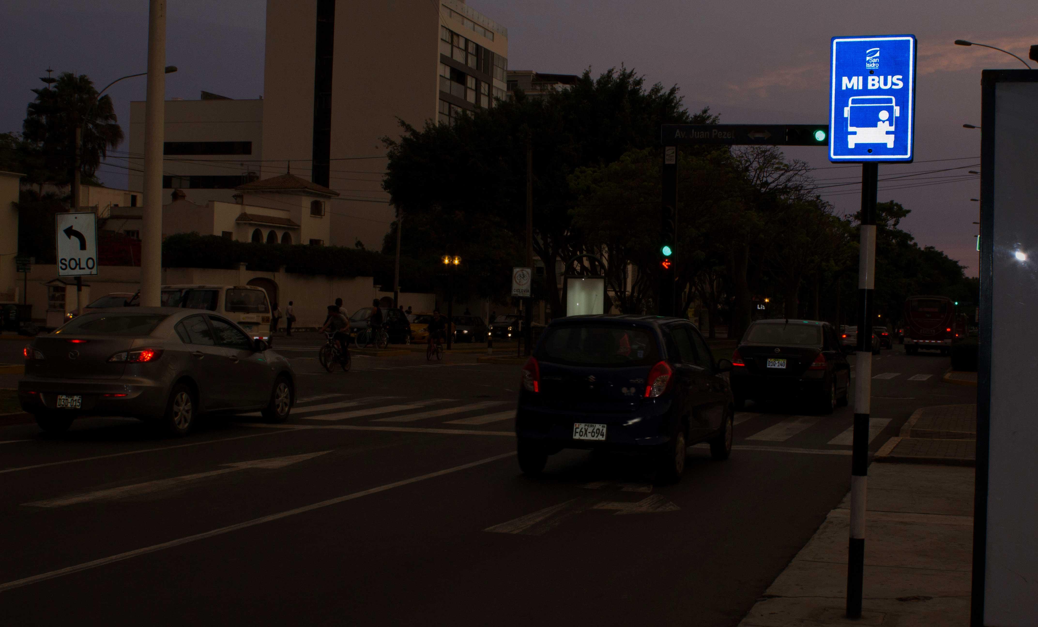 laminas-reflectivas-señalizacion-vial-5a